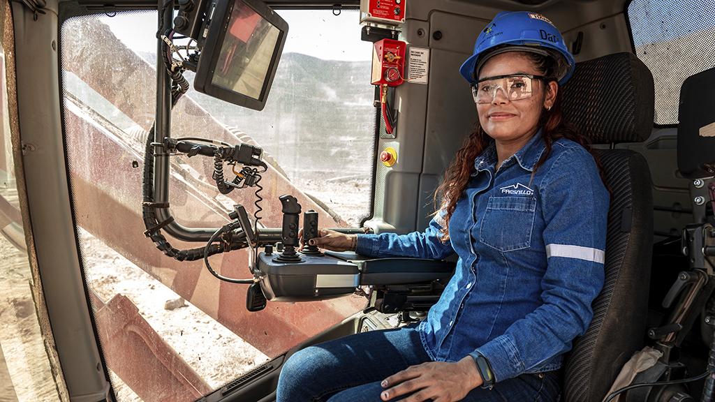 Drill rig operator Maritza López Riviera started working at La Herradura in 2006 at the age of 19.